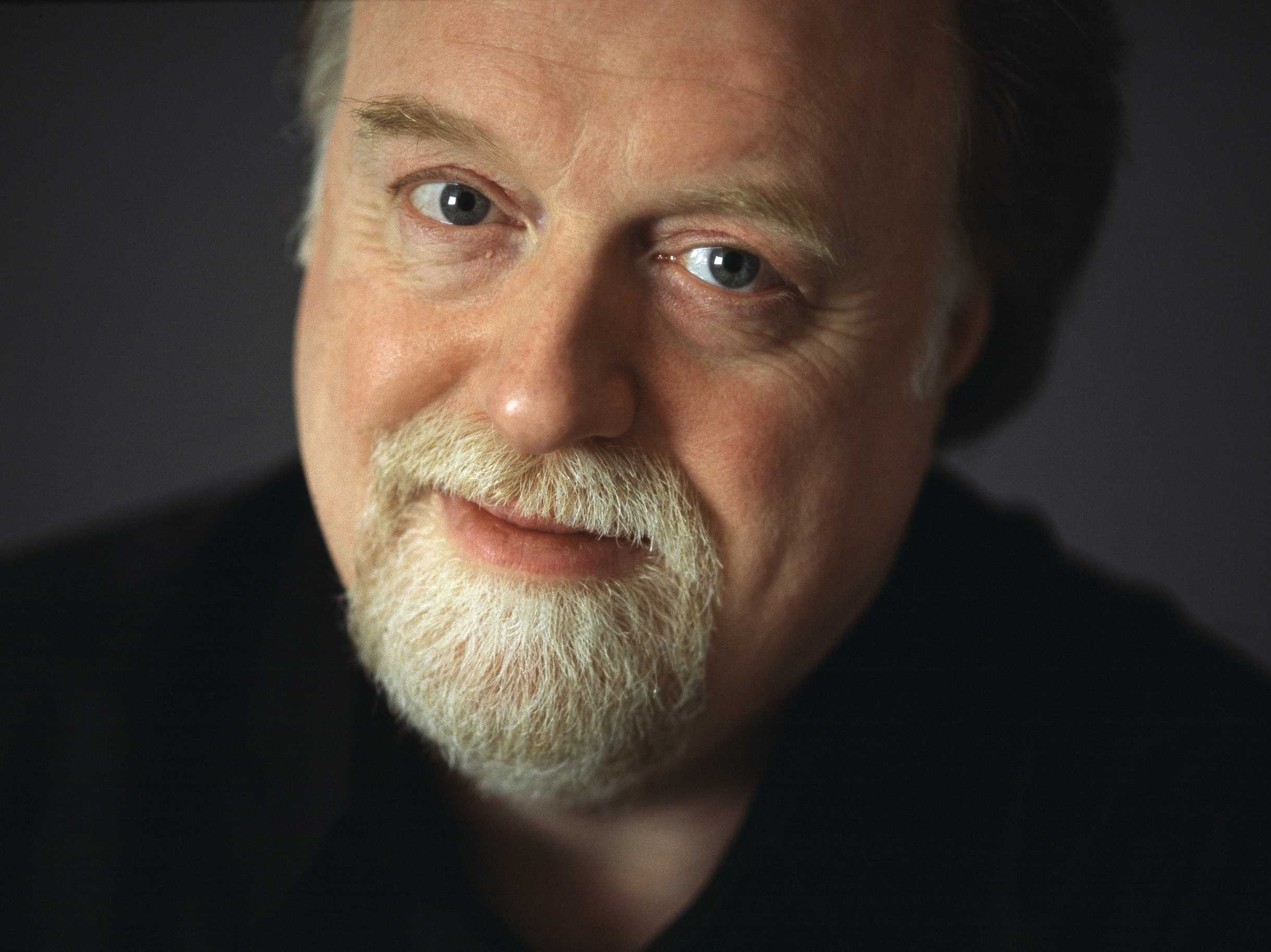 Peter Donohoe plays in loops and verses