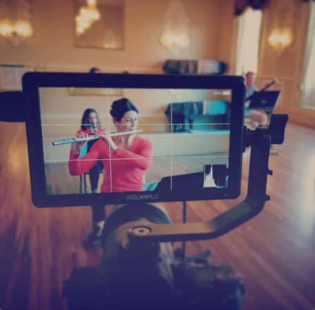 Dementia-friendly interactive videos