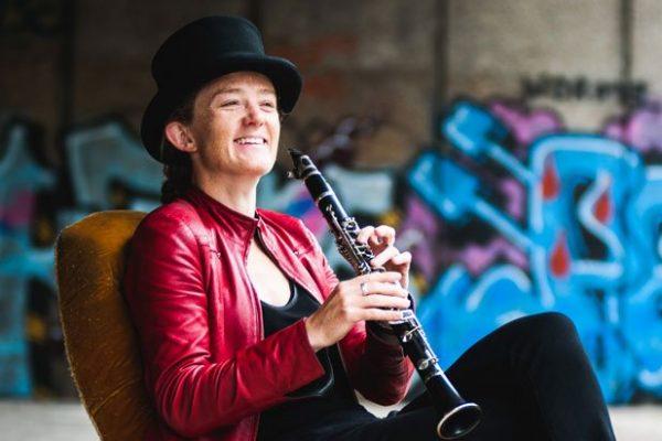 Susi Evans playing klezmer clarinet on Morpheus